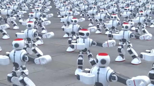 Mais de mil robôs dançarinos batem novo recorde do Guinness; veja