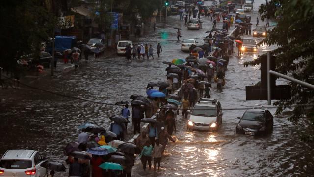 Chuvas na Ásia matam 1,2 mil e afetam mais de 25 milhões de pessoas