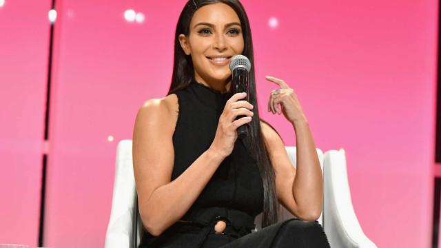 """Kim Kardashian revela como conseguiu chegar à """"melhor forma física"""""""