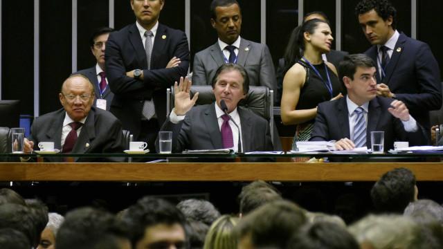 Comissão aprova revisão da meta fiscal para R$ 159 bilhões