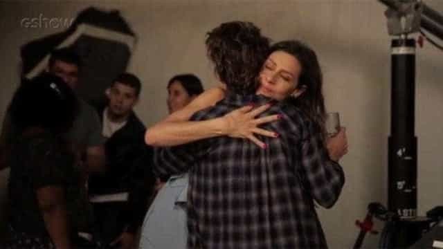 Maria Fernanda e Carol Duarte se emocionam com cena de Joyce e Ivana