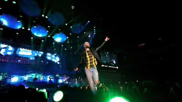 Maroon 5 apresenta novo single com SZA; ouça