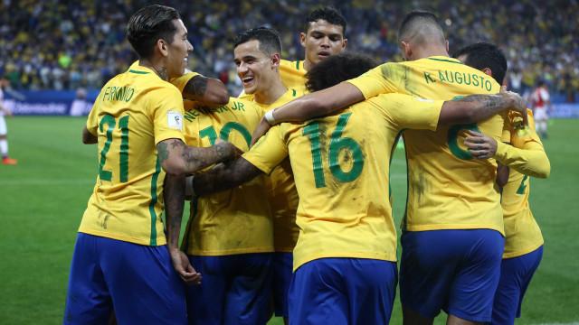 Brasil jogará com uniforme tradicional contra o Equador