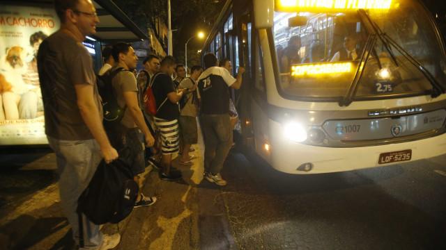 Deputado quer frase 'Socorro, assalto' em letreiros frontais de ônibus