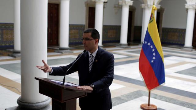 Venezuela vai doar US$ 5 milhões para vítimas do Harvey