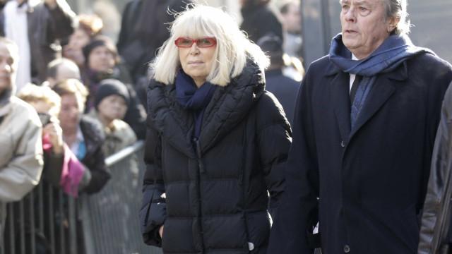 Alain Delon sobre a morte da ex-mulher: 'Já posso partir'