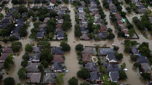 Número de mortos por tempestade no Texas cresce para 24