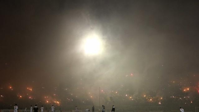 Palco da Copa do Uruguai, Estádio Centenário luta por sobrevivência