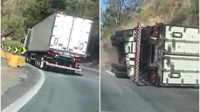 Caminhão carregado com frango tomba em descida na Serra das Araras