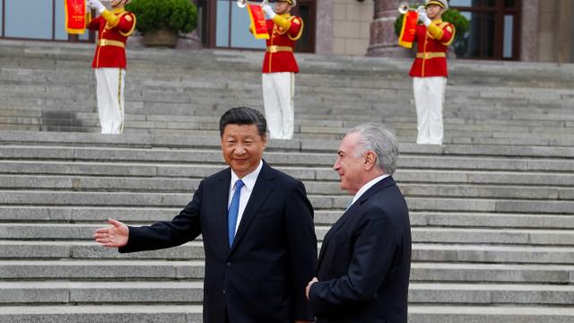 Brasil e China estendem validade de visto de turismo e negócios