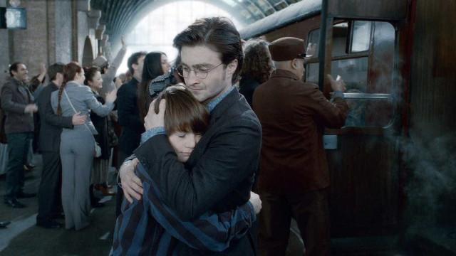 J.K. Rowling lança plataforma para visitar Hogwarts