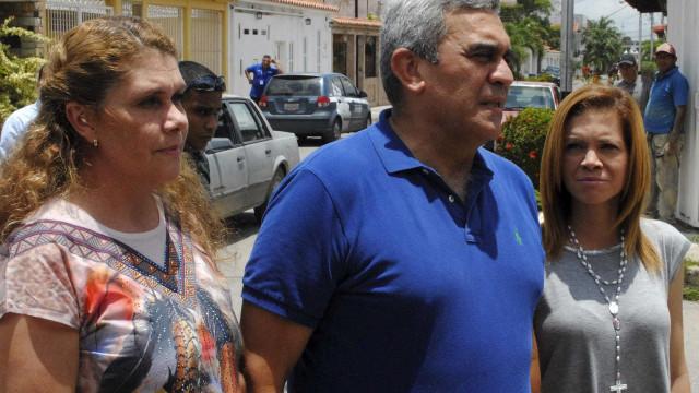 General que faz oposição a Maduro é achado preso em Caracas