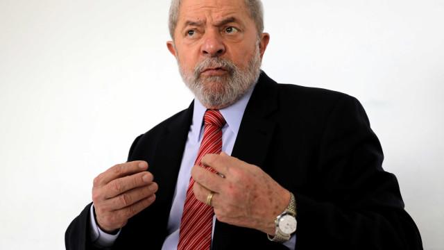 Prefeitura de São Bernardo multa Lula e embarga obra de casa de campo