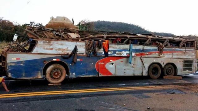 Sobe para 7 número de mortos em acidente de ônibus no Triângulo Mineiro