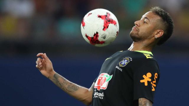 Neymar e Gabriel Jesus dão show de talento em treinamento em Manaus