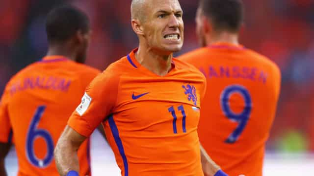 Holanda vence a Bulgária e mantém chances de ir à Copa do Mundo