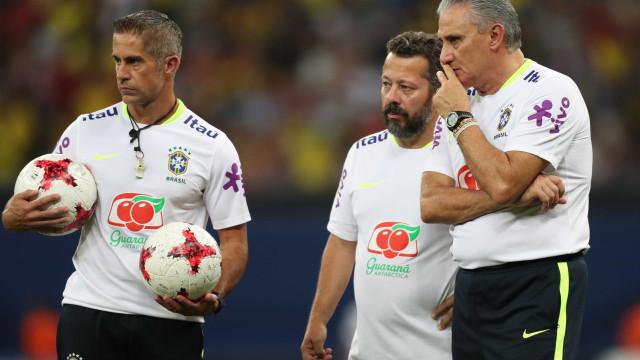 Seleção brasileira: Tite testa Firmino e Fernandinho entre os titulares