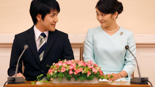 Princesa do Japão abandona status imperial para se casar com plebeu