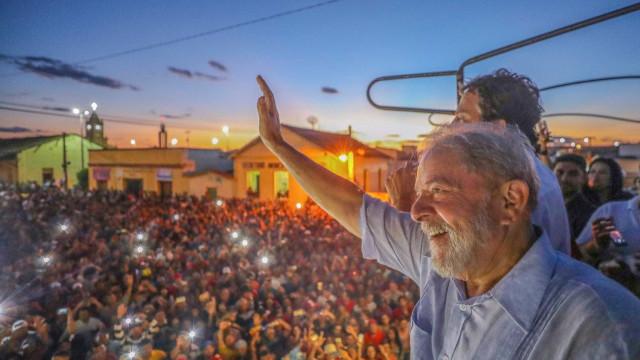 Em caravana, Lula investe em críticas a Temer e não fala sobre Dilma