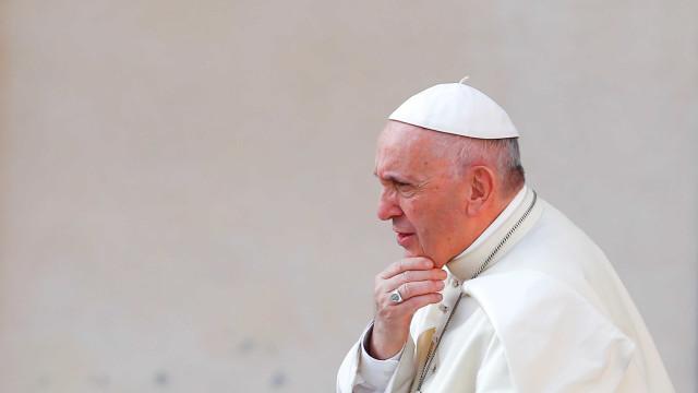 Presos se aproveitam de encontro com papa Francisco para fugir
