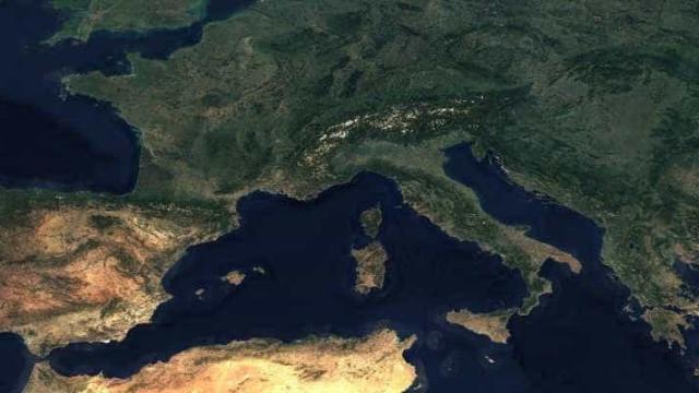 Criado o primeiro mapa completo da terra sem nuvens