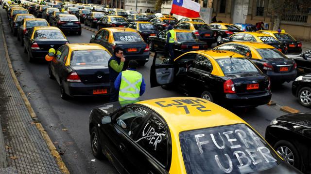 Turista brasileiro morre em meio a protesto contra a Uber no Chile