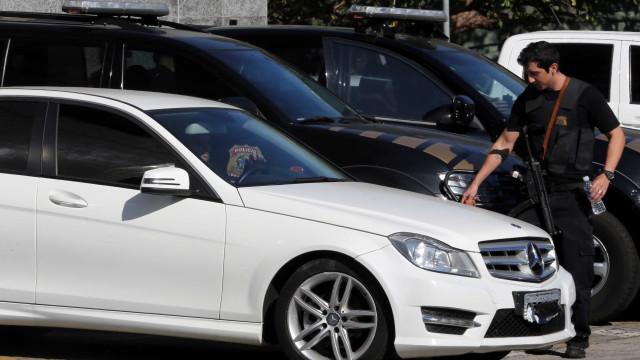 Operação da PF apreende Porsche, BMW, Mercedes e Audi de traficantes