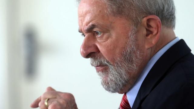 'Estou candidato', diz Lula ao lançar pré-candidaturaemBH