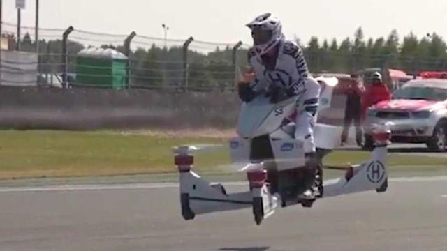 Motos voadoras estarão disponíveis no próximo ano
