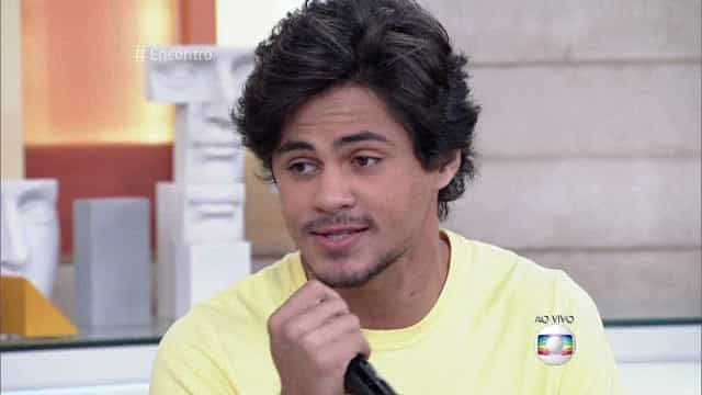 Lucas Veloso é detonado na web por comentário sobre Thammy