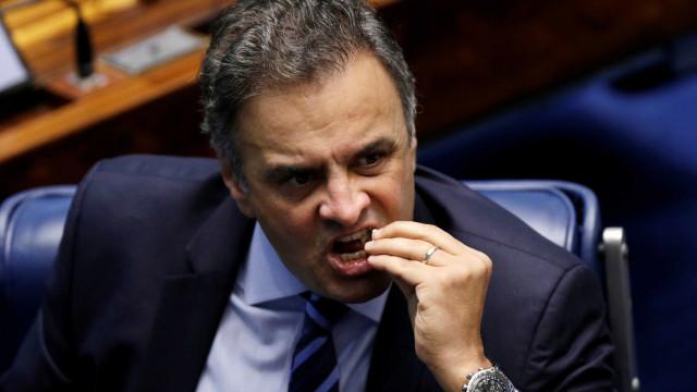 Aécio diz ter recebido decisão do Senado com 'serenidade'