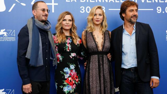 Filme com Bardem e Lawrence é vaiado no Festival de Veneza