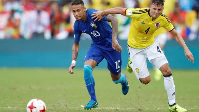 Brasil interrompe série de vitórias e empata na Colômbia