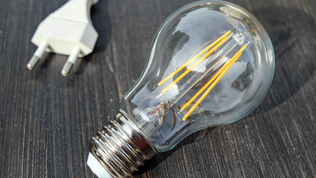 Em 2018, aumento acumulado na conta de luz pode chegar a 44%