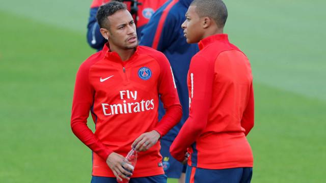 Neymar volta a Paris e treina pela primeira vez ao lado de Mbappé