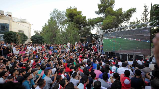 Narrador chora com gol que levou a Síria à repescagem da Copa; assista
