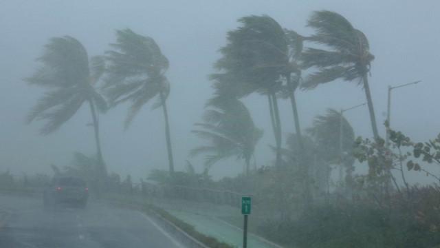 Furacão Irma já registra duas vítimas fatais