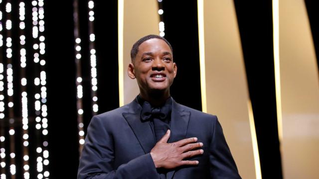Will Smith apresenta o elenco de 'Aladdin' com foto dos bastidores