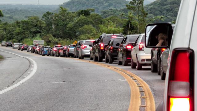 São Paulo registra 145 km de lentidão na véspera do feriado