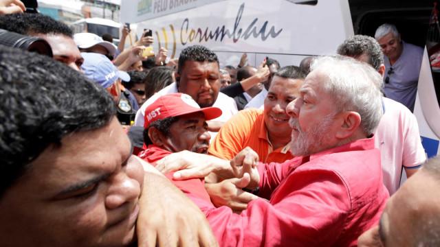 Lula diz que está 'decepcionado' com Palocci, mas manterá agenda
