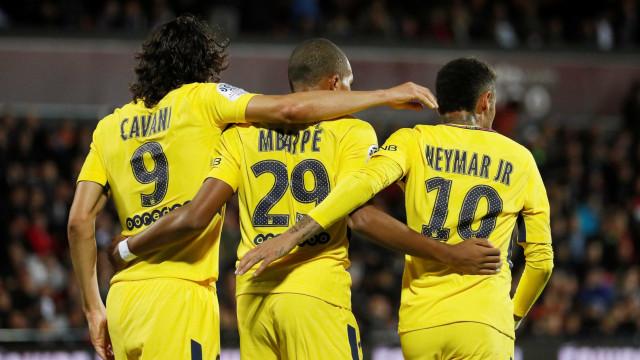 Mbappé marca na estreia e PSG goleia lanterna com ajuda de Neymar