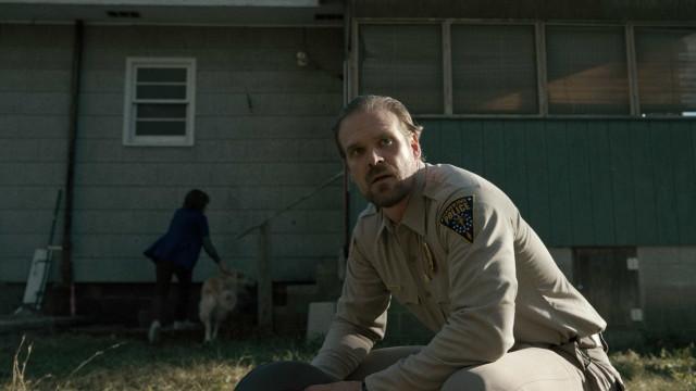 'Stranger Things' terá foco na filha de Hooper, diz ator