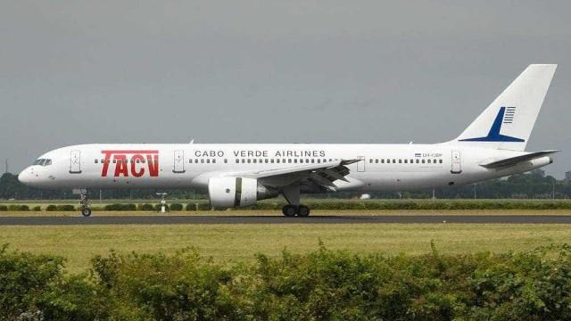Falha em avião 'prende' brasileiros por mais de dez dias em Cabo Verde
