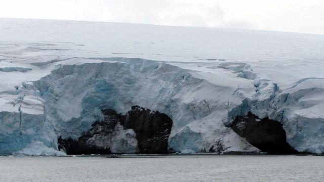 O que escondem as cavernas quentes da Antártida?
