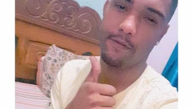 Jovem morre baleado por engano durante chá de bebê em MG