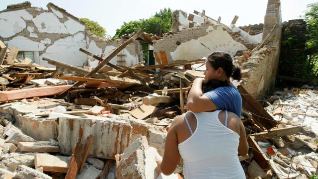 Cidade do México é afetada por terremoto de 7,1 graus