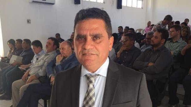 Prefeito de Riacho Frio, no Piauí, é baleado na porta de casa
