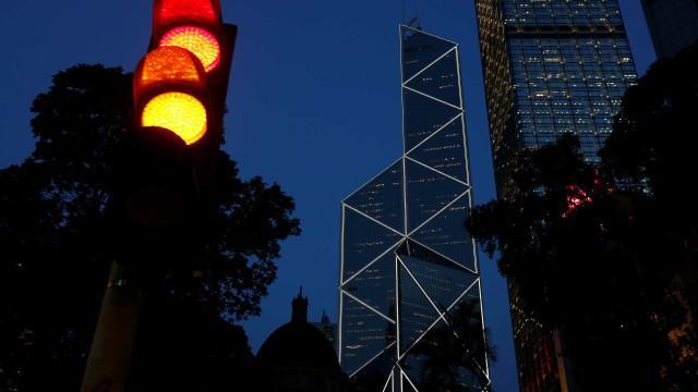 China ordena bloqueio de contas bancárias de norte-coreanos