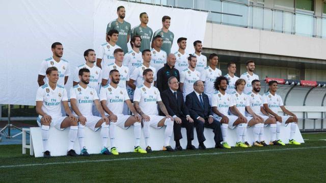Com CR7 sério, Real Madrid faz foto oficial para a temporada 2017/18