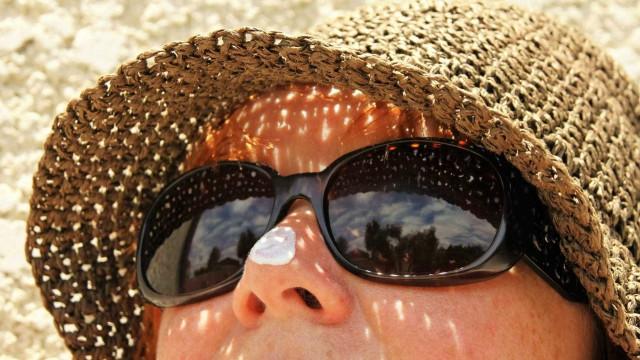 Tudo que você precisa saber antes do verão para evitar danos solares